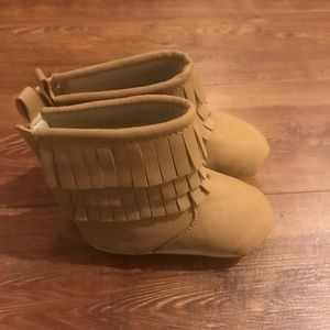 Old Navy Baby Girl Tan Moccasin Boots 6-12 M